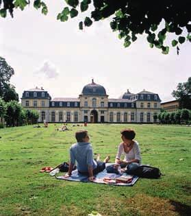 52 as a Foreign Language University of Bonn International Summer Course for Language Would you like to learn the language or improve existing language skills, gain insight into cultural studies,