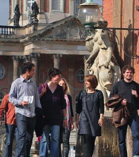 as a Foreign Language 65 University of Potsdam 20th International Summer Academy Sans Souci 2018 The International Summer Academy Sans Souci offers an extensive programme with language courses,