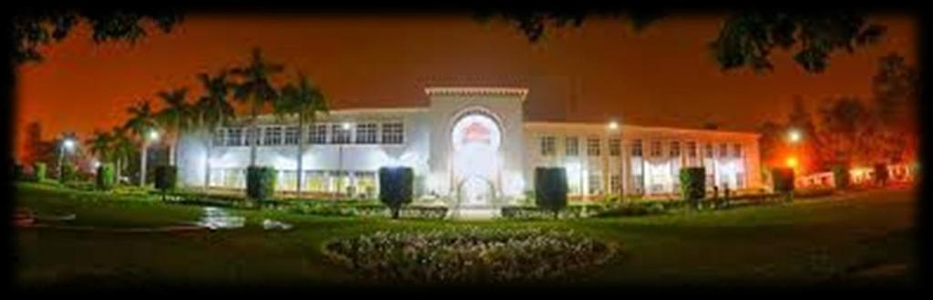 A.M.U.: A Centre of Excellence Aligarh Muslim University (AMU) draws students from all corners of the country as well as foreign countries, especially Africa, West Asia and Southeast Asia.