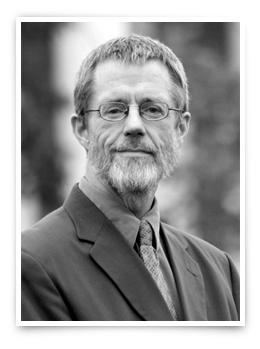 Who teaches AP English Literature? MASTER TEACHER Dr. Steven Hake designed PHC Prep s AP English Literature and Composition course. Dr. Hake has taught at Patrick Henry College since it opened in 2000 and chairs the Department of Classical Liberal Arts.