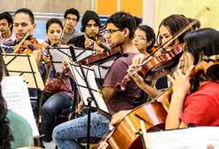standing out unah Chamber Orchestra In 1977, under the leadership of the Rector Jorge Arturo Reina, the Art Department as well as the Chamber Orchestra at UNAH were created, directed at the time by