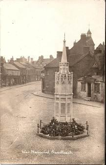 as the Poppy appeal and events organiser. 16 Apr 1922 The War Memorial was unveiled on the 16 April 1922 at 3pm by Lieut Colonel John Kennedy, C.M.G., D.S.O., of the Black Watch on the Market Square.